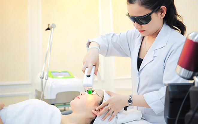 Cách trị tàn nhang bằng công nghệ laser