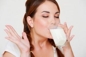 Mách bạn cách trị tàn nhang nhanh nhất tại nhà với sữa tươi