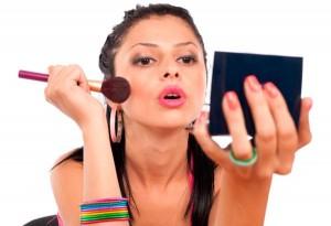 Nguy cơ xuất hiện tàn nhang do lạm dụng mỹ phẩm