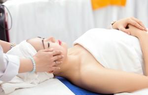 Điều trị tàn nhang chỉ cần gây tê hay gây mê?