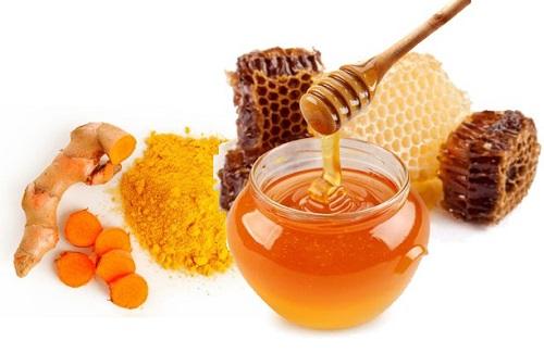 mặt nạ trị tàn nhang bằng tinh bột nghệ và mật ong